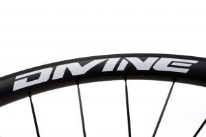 Carbon Road Bike Wheel White Logo   Divine Cycling