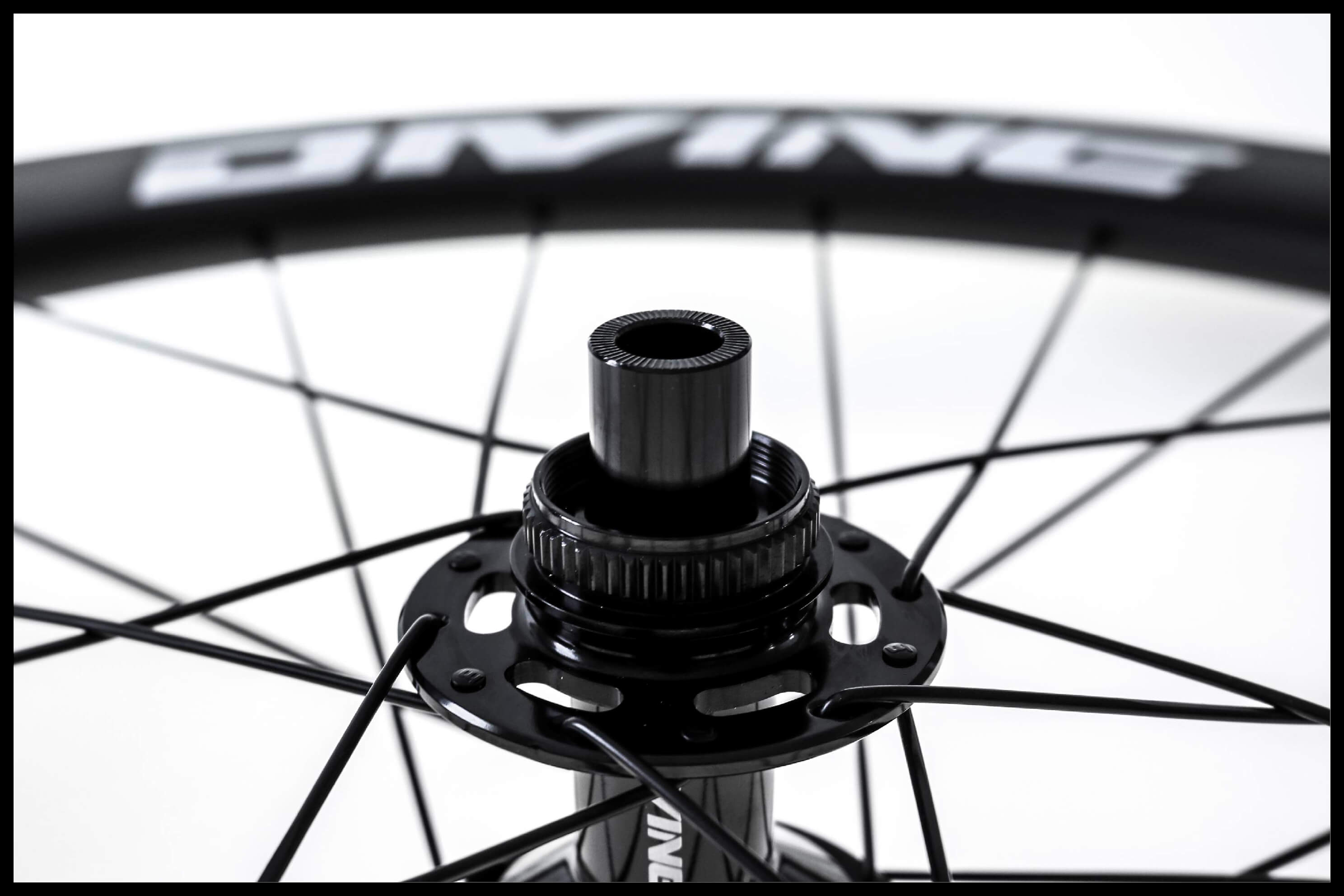 Carbon Road Bike Disc Brake Centerlock Close-up | Divine Cycling